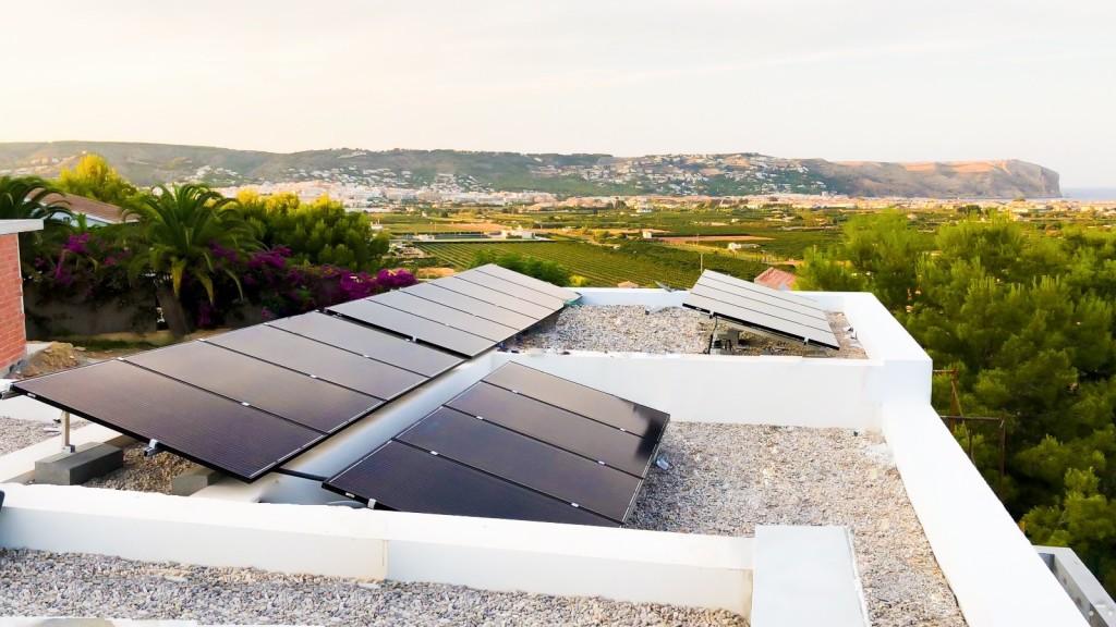 cuantos-paneles-solares-hay-que-instalar-en-una-casa