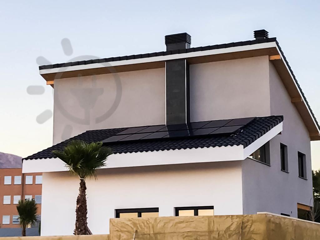 es-rentable-poner-placas-solares-con-baterias-en-mi-casa